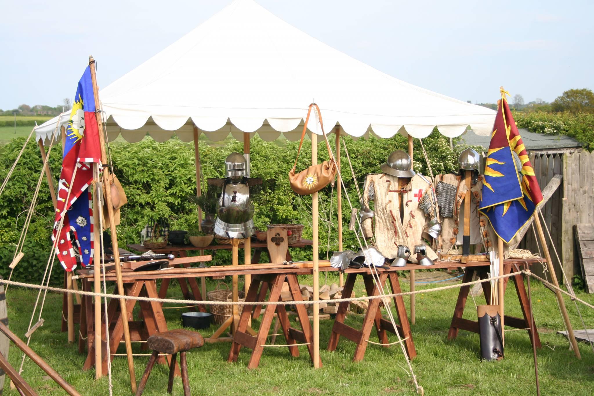 Les Routiers de Rouen: Soldier's Camp
