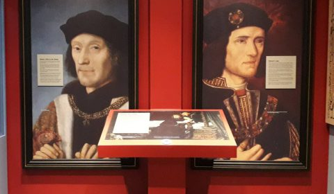 Portraits of Richard III and Henry Tudor in the Exhibition